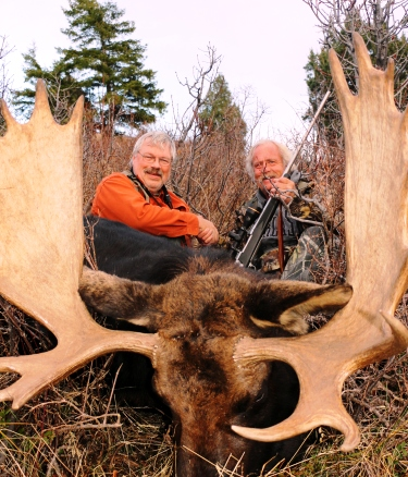 Hunting Outfitter and Hunting Guide