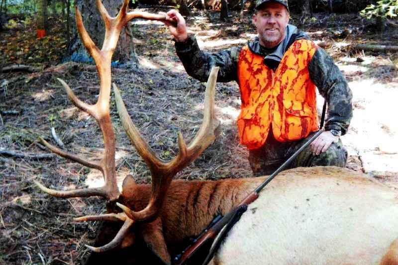 Photo Elk Hunting, 4x4 Idaho Bull